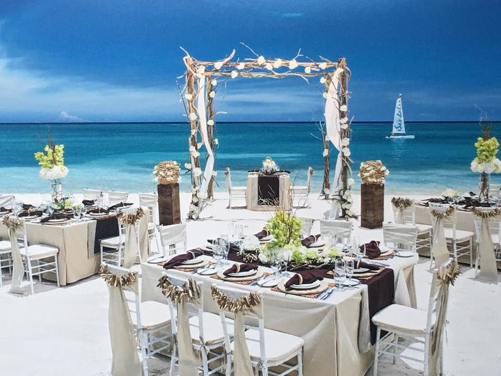 Wedding setting - Beaches