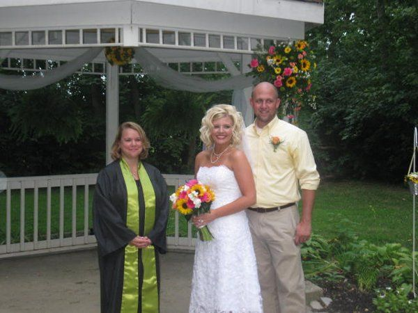 Nice outdoor Ceremony for Brittany and Robbie August 2009