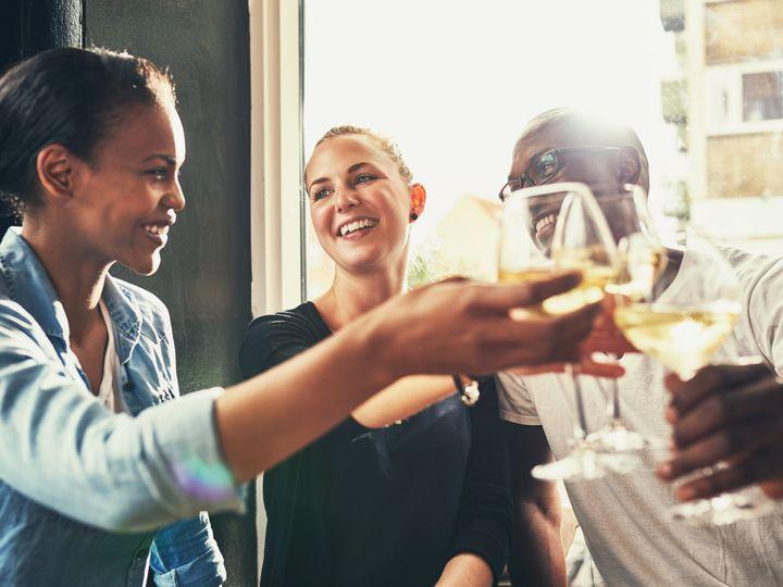 Tmx Friends Having Drinks Jpg 51 901050 Durham wedding travel
