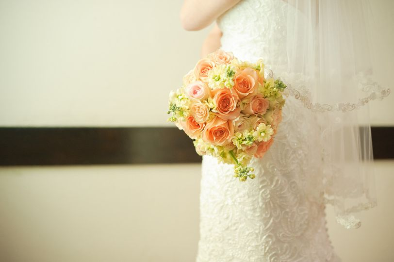 Orange toned bouquet