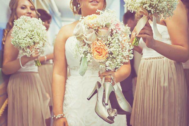 greenfinch floral design bride bouquet shoe