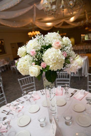 Table flower centerpiece