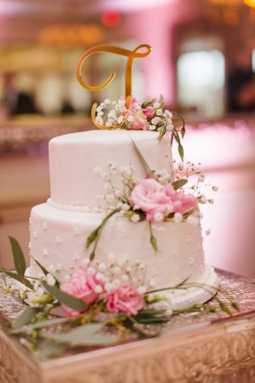 2 layer wedding cake