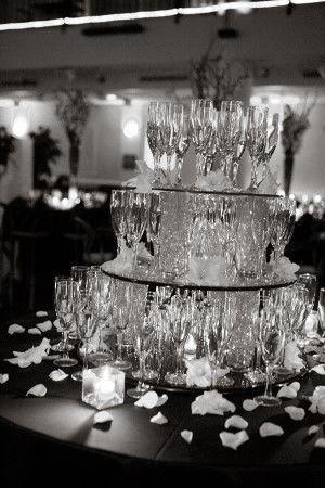 Tmx 1521996761 0ee9318807dce0ef 1521996760 7ffb25b000c0c96c 1521996751411 4 Wed 217 1  300x450 Roseville wedding planner