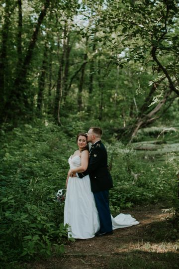 Couple at Murfreesboro wedding