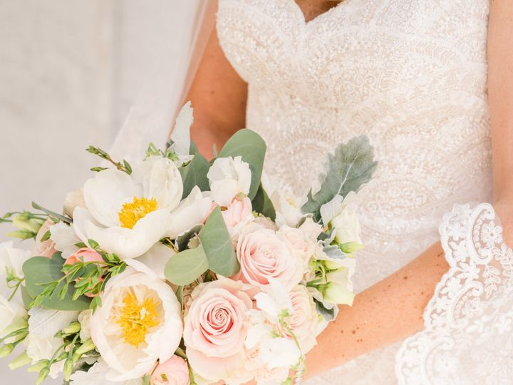 Tmx 01 Shannonbrian 126 Of 454 51 416150 158291131536747 Marysville, OH wedding florist