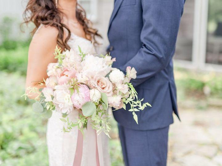 Tmx Karin And Austin Favorites 45 51 416150 158290976823704 Marysville, OH wedding florist