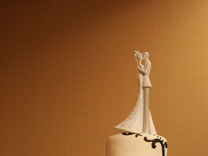 Tmx 1377386297641 Beth13 Anchorage wedding cake