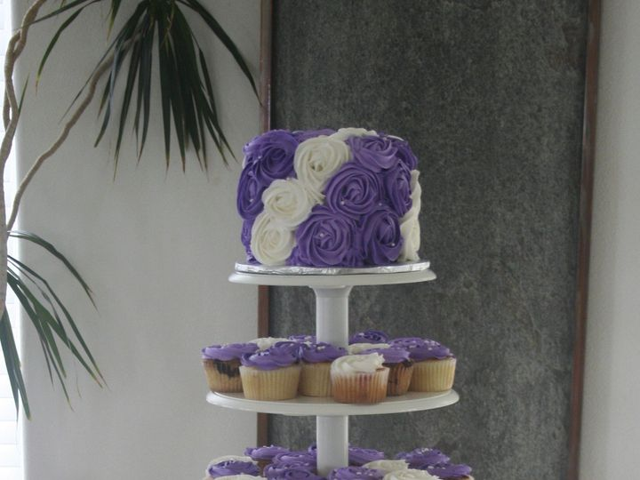 Tmx 1387522369583 Purpwhiterosettescup Anchorage wedding cake