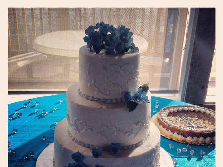 Tmx 1387522640985 Rebeccadontaiheart Anchorage wedding cake