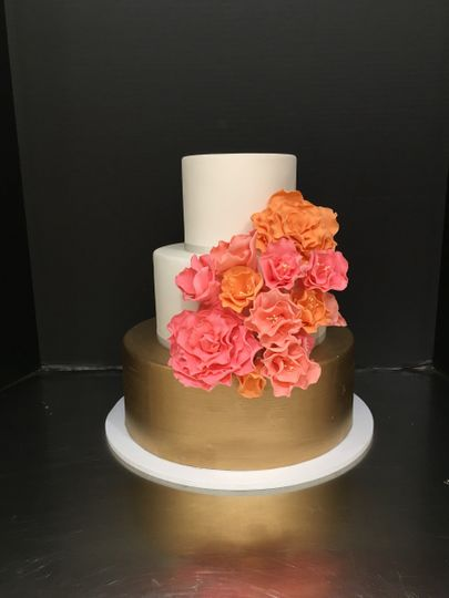 Gold and Glam Wedding Cake