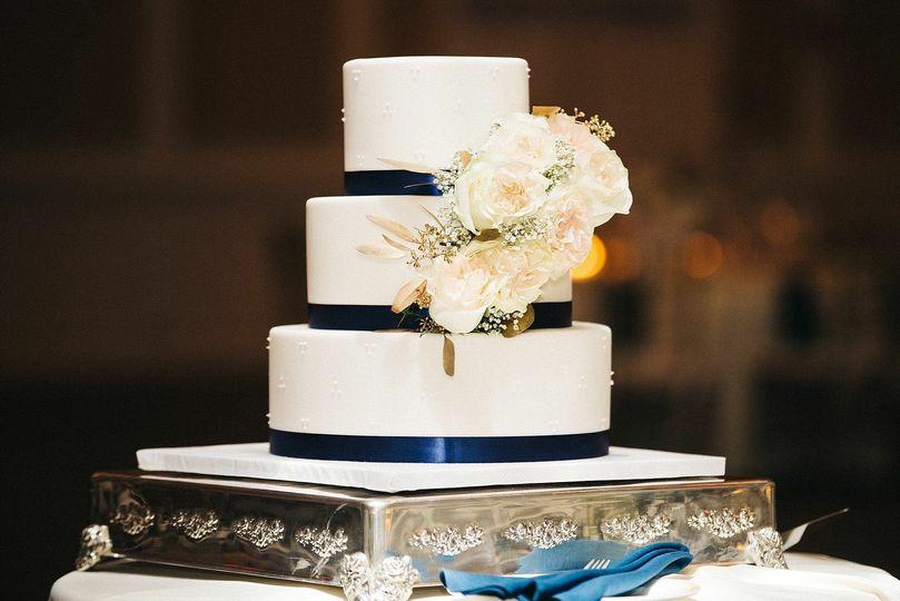 Swiss Dots Wedding Cake
