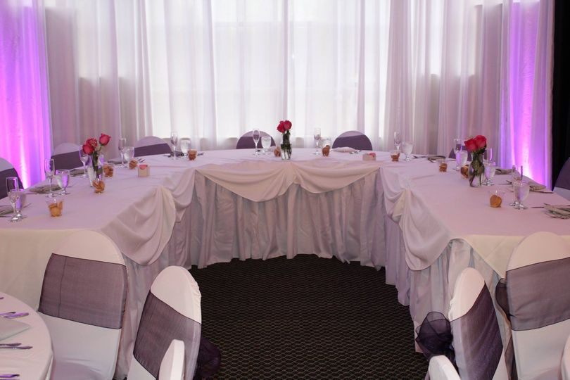 Rectangular wedding table setup
