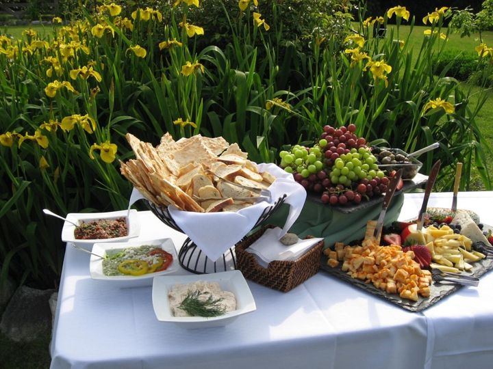 reception appetizers herban feast may07 781819 1024x768