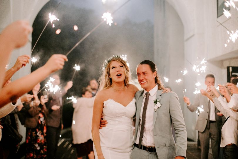 ashleigh and jordan wedding at hillcrest country club in indianapolis indiana by emily elyse wehner photography llc 871 51 79250