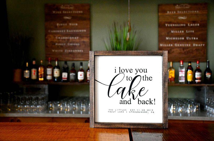 Bar in Lake View Center