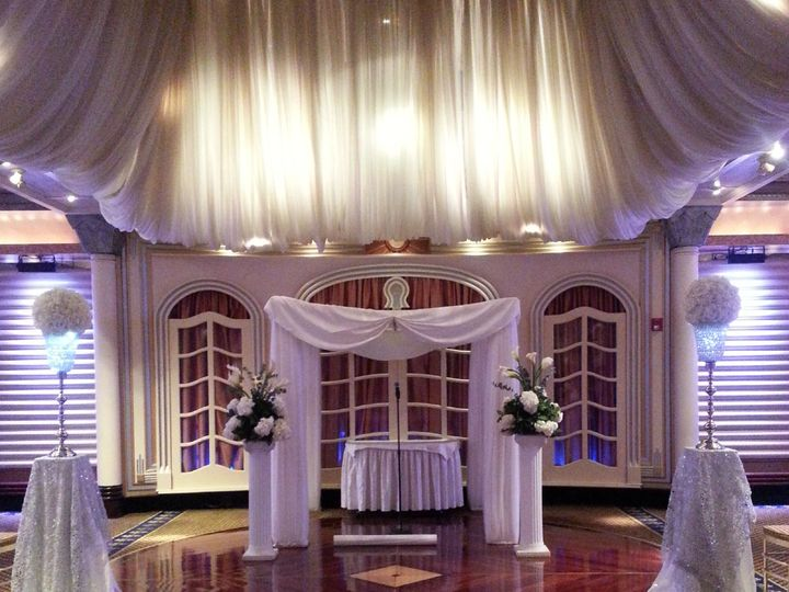 Tmx Whitecere1 51 171350 Brooklyn, NY wedding florist