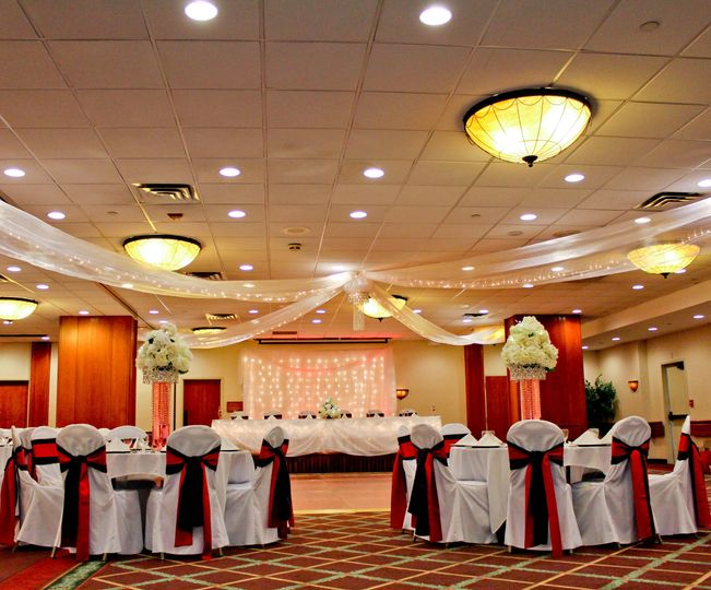 Holiday inn appleton venue appleton wi weddingwire 800x800 1417202523317 floor level ballroom overview junglespirit Images