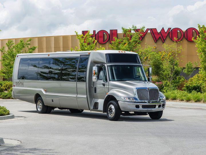 Tmx 1439851410797 Showtimetransportation0137 Kansas City wedding transportation