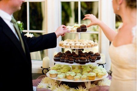 Tmx 1262910119223 Armsreachin Seattle wedding cake
