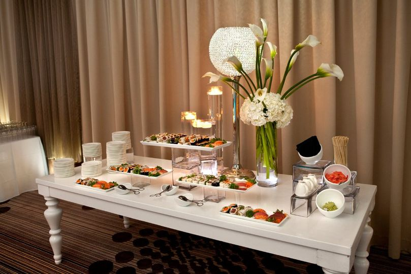 Buffet service for couple