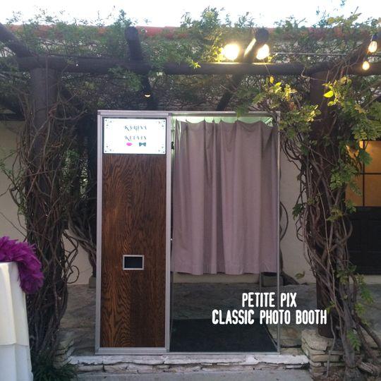 petite pix classic photo booth at la venta inn