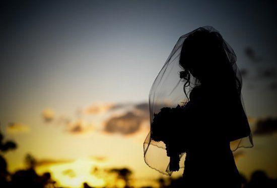 cfc52f736db6c050 1204841963812 Bride Sunset