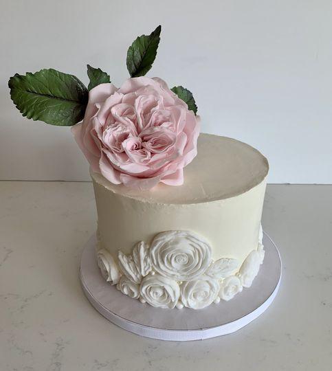 """""""OHara"""" sugar rose """"zoom"""" cake"""