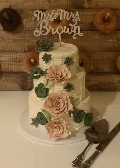 "Rose, succulent, and ""drip"" wedding cake"