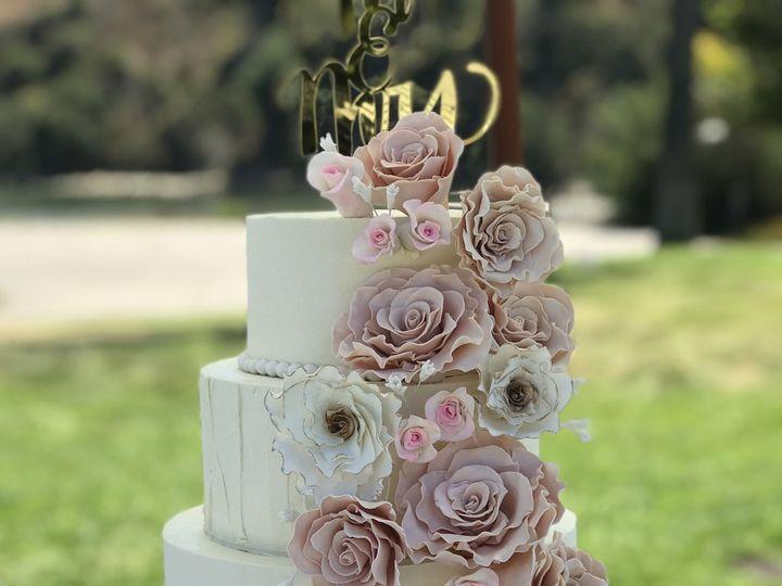 Tmx 1534050608 0a8f0057f7ee5df3 1534050606 5d75955e36d2f982 1534050598958 4 14EEFB49 F79B 40D1 Arroyo Grande, CA wedding cake