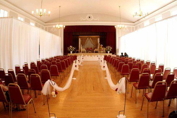 Simple & Classic Ceremony Decor for an Interfaith Wedding.