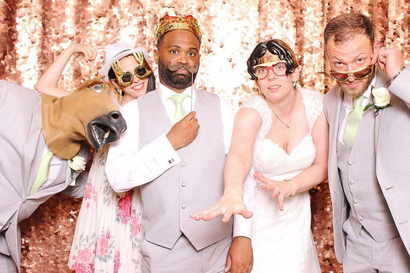 f48bdc3213bd374d 1533219120 9116ff89ede9ccb9 1533219119100 3 Wedding Photo