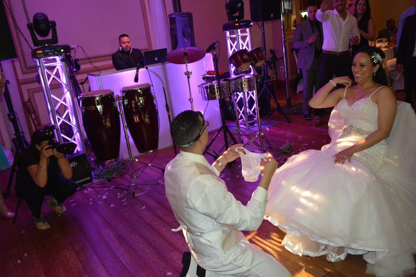 ozone park hispanic singles Looking to book a spanish dj in the queens, ny area  inwood, lawrence,  ridgewood, richmond hill, south ozone park, south richmond hill,  karaoke  and /or dj services available with over 300,000 karaoke songs to choose from.