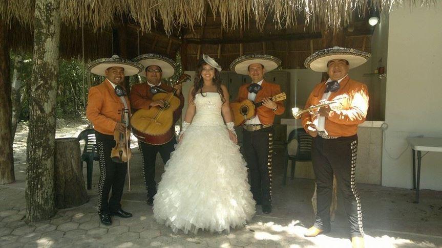 mariachi tulum trio