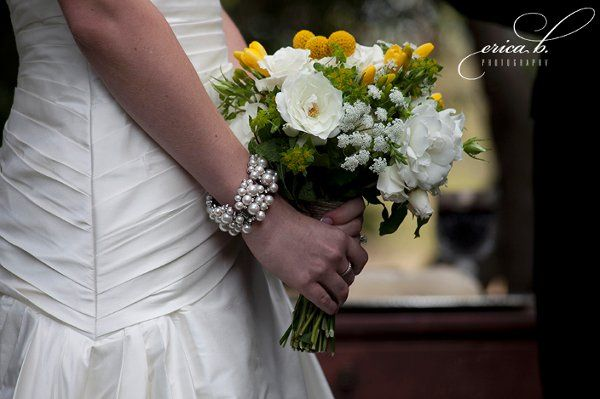 this was an outdoor vintage style wedding very lovely  photographer was  erica  boekestein..