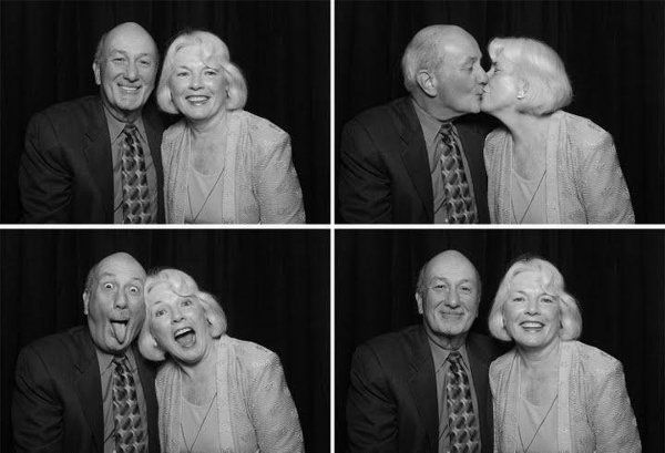 Old couple in the booth