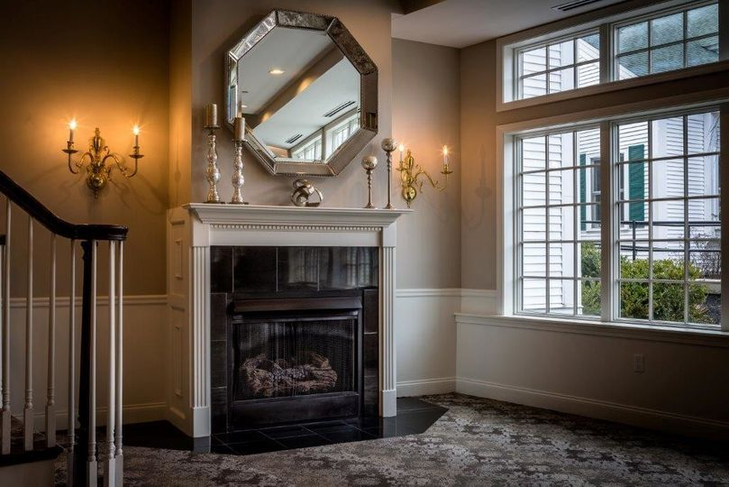 fireplace foyer picture