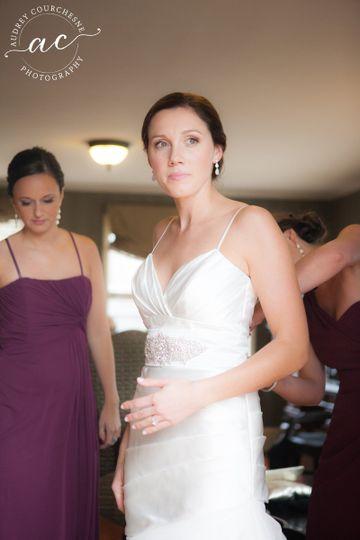 Simple dress | Photo: Audrey Courchesne Photography http://audreycourchesne.com/Makeup for Bride:...