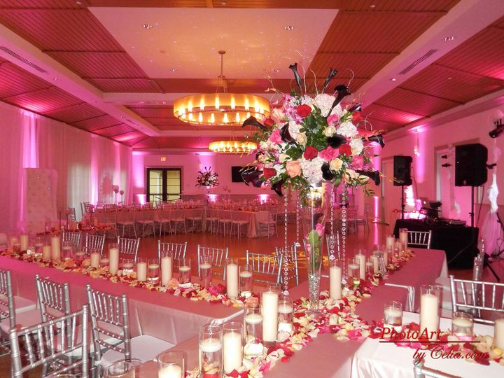 Table setting with pink lights