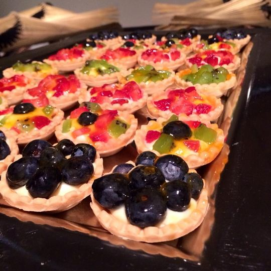Tartlets with fresh fruit