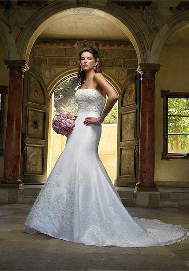 Casablanca Wedding Dress for Rent