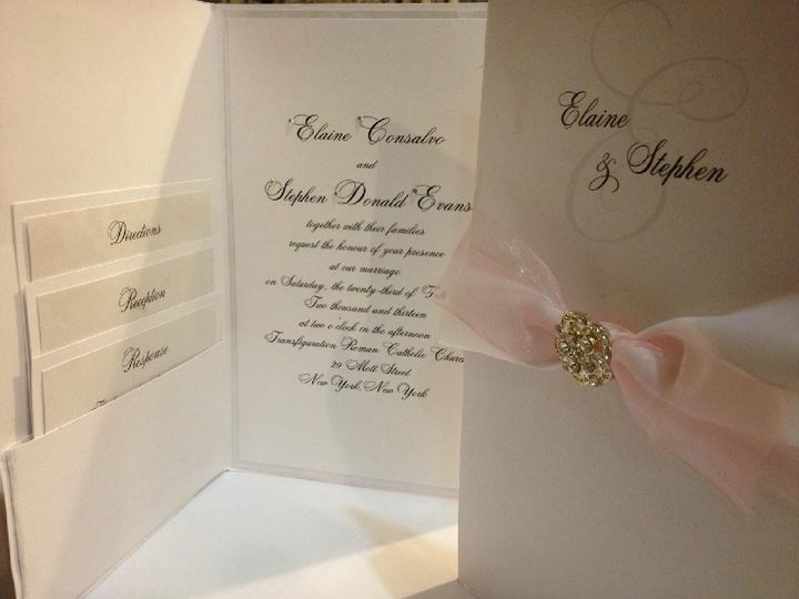 Invitation with a pop of pink.