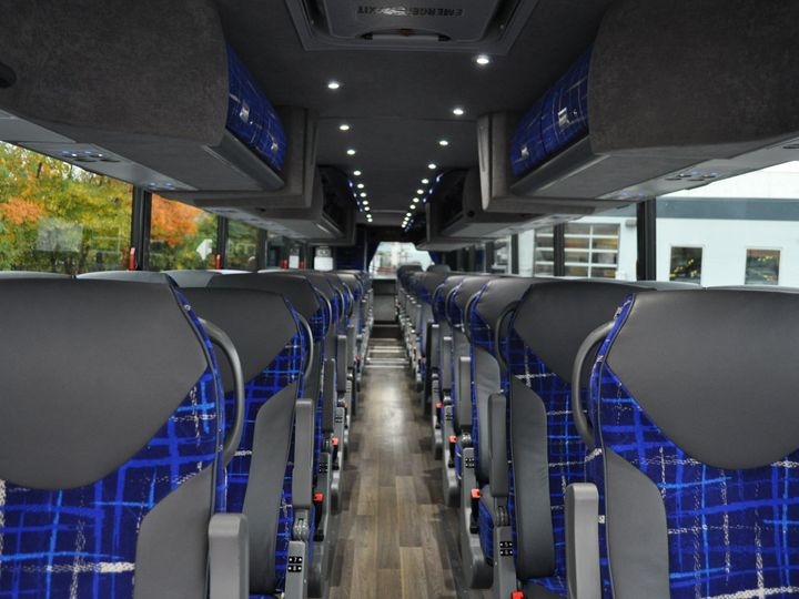Tmx 1515625274 91b8a3cf75ee73c1 1515625270 Ebe2fd6e5e1ae036 1515625265026 3 Coach Interior 3 Rockville wedding transportation