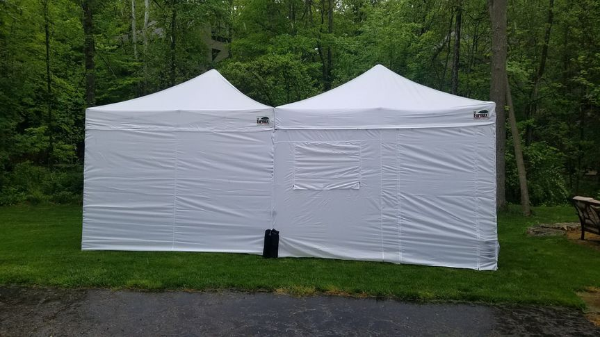 10'x10' pop up tents with side