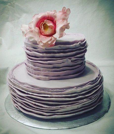 Butter Cream Ruffle Cake With Sugar Peony