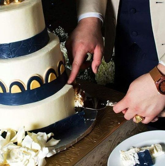 Butter Cream and Fondant Gold & Navy Cake
