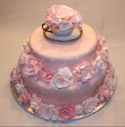 Sugar Roses Fondant Cake
