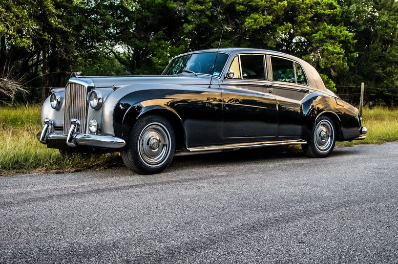 Sweeping lines of the 1960 bentley