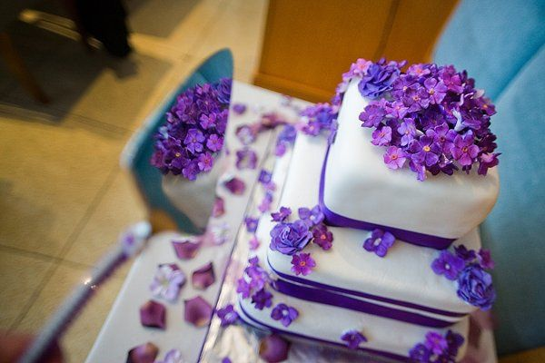 Tmx 1228870923175 1Y6V5749rds Stratford wedding cake