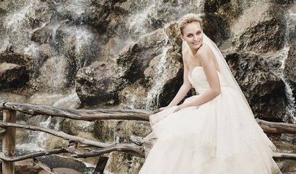 ALEXIA GAVELA BRIDAL